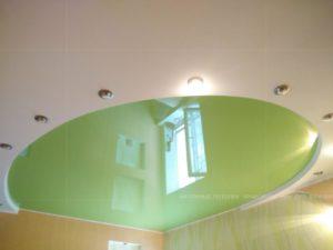 Двухуровневый салатовый потолок